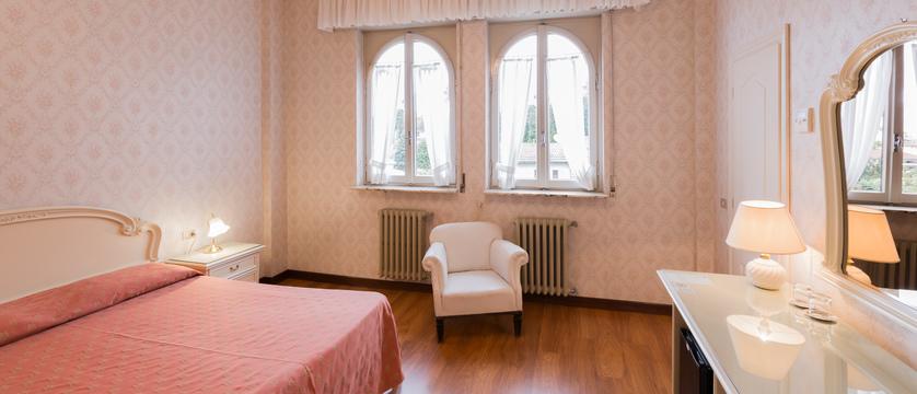 hotel-du-parc-bedroom-2.jpg